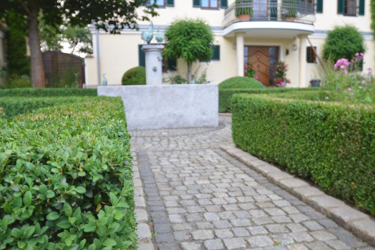 https://www.galabau-thaler.de/content/6-inspiration/1-hausgaerten/15-garten-15/dsc-0781.jpg