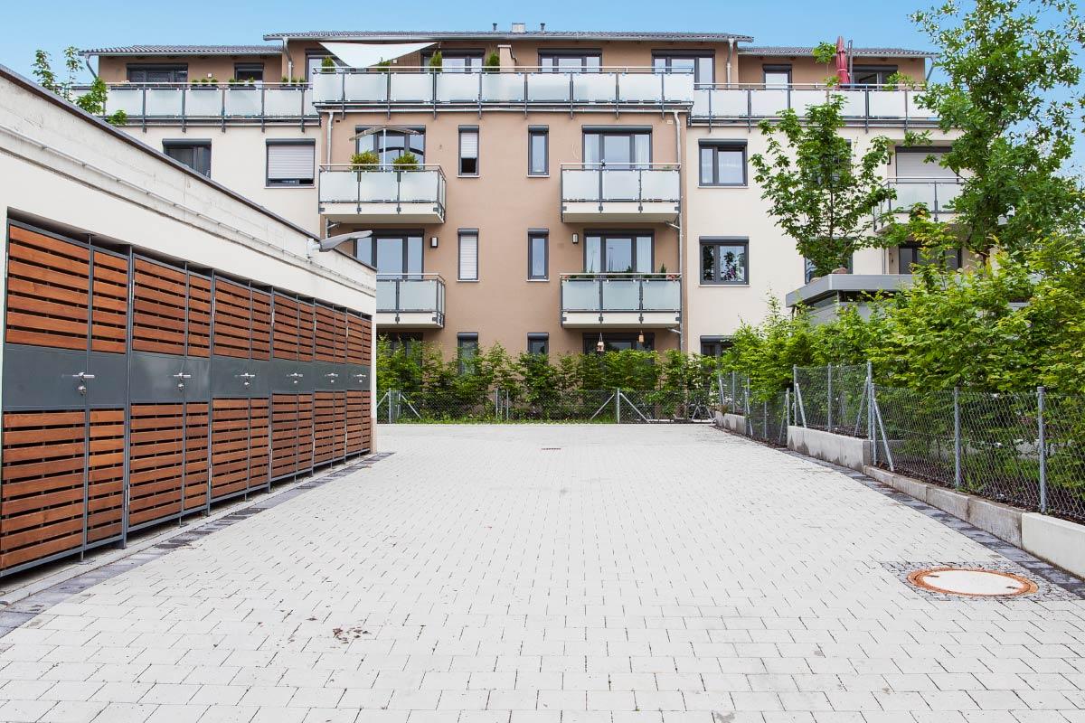 http://www.galabau-thaler.de/content/6-inspiration/2-oeffentliche-anlagen/2-galerie-2/wohnungsbau-2.jpg